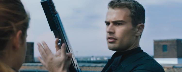 Трейлер «Дивергента» открывает шоу VMA новыми горячими кадрами