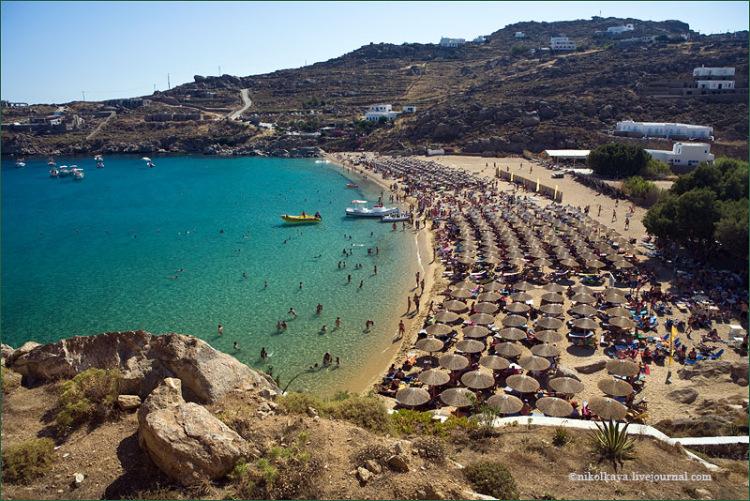 Самый замечательный пляж греческого острова Миконоса, который стал местом о